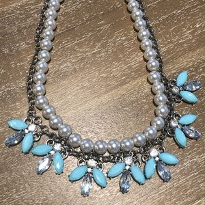 Forever 21 Jewelry - Pearl and light blue accent necklace